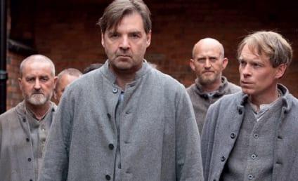 Downton Abbey Photos: Bates in Jail! Motherly Mayhem!