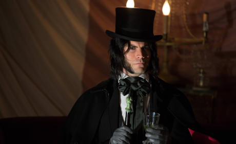 American Horror Story Freak Show: Watch Season 4 Episode 4 Online