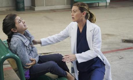 Meredith and a Patient - Grey's Anatomy Season 11 Episode 4