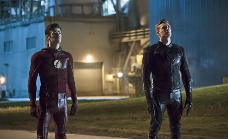 The Flash Season 2 Episode 23 Review: The Race of His Life