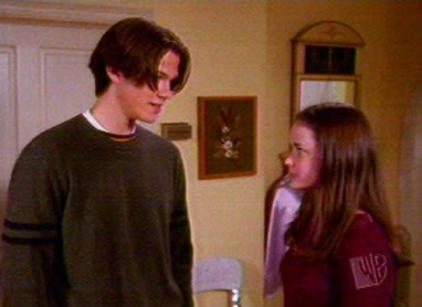 Watch Gilmore Girls Season 1 Episode 7 Online