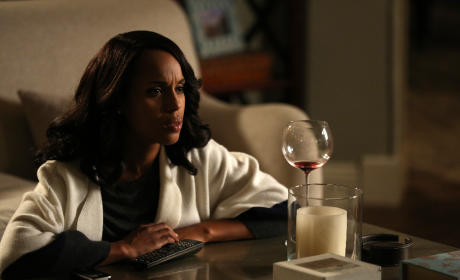 Olivia Drinks Alone - Scandal Season 5 Episode 4