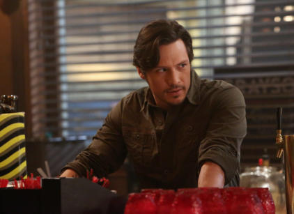 Watch Revenge Season 2 Episode 20 Online