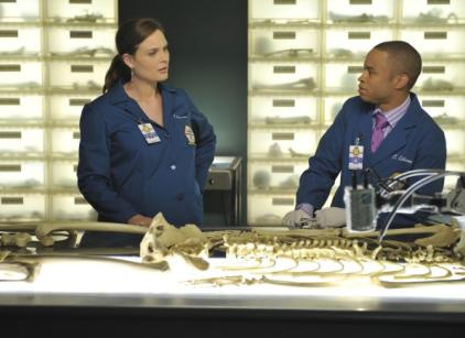 Watch Bones Season 7 Episode 4 Online