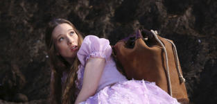 Wonderland: First Photo, Official Synopsis
