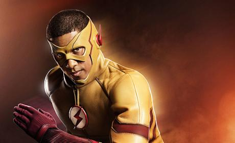 The Flash Season 3: First Look at Kid Flash!!