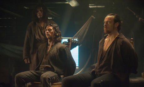 Black Sails Season 2 Episode 1 Review: IX