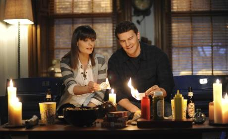 Hart Hanson Speaks on Bones Season Finale, Spinoff Episode, Pregnancy Possibilities