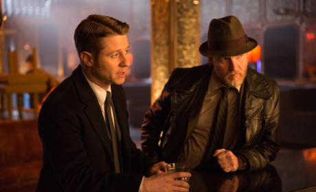 Gotham: Watch Season 1 Episode 19 Online