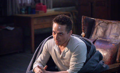 Cole and a Blanket - Supernatural Season 10 Episode 15