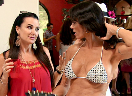 Watch The Real Housewives of Beverly Hills Season 4 Episode 14 Online