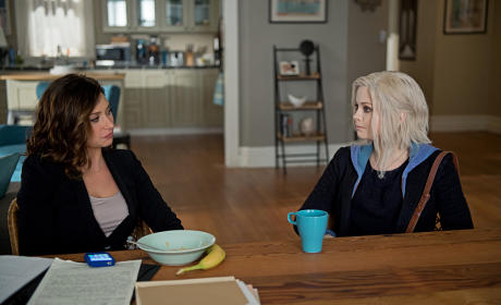 iZombie Photo Preview: Peyton Resurfaces!