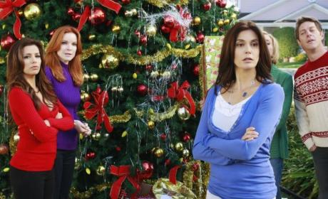 "Desperate Housewives Sneak Peeks from ""Boom Crunch"""