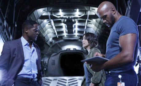 Andrew Lends A Hand - Agents of S.H.I.E.L.D. Season 3 Episode 2