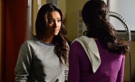 Girl Talk - Pretty Little Liars Season 5 Episode 19