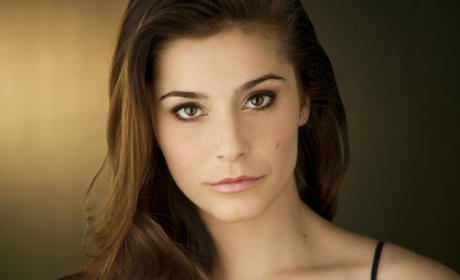 Elysia Rotaru to Blast from Oliver's Past on Arrow Season 4