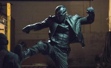 Diggle in Action! - Arrow Season 4 Episode 1