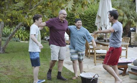 Modern Family Season 6 Episode 17 Review: Closet? You'll Love It!