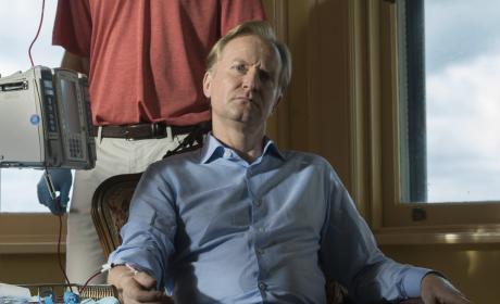 Alexander Kirk doesn't smile - The Blacklist Season 4 Episode 1