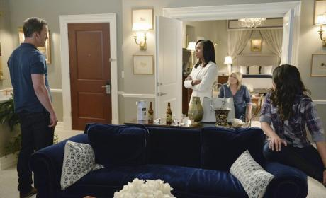 Is That Quinn? - Scandal Season 4 Episode 2
