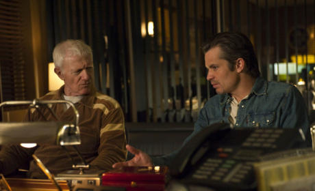 "Justified Review: ""Fathers and Sons"""