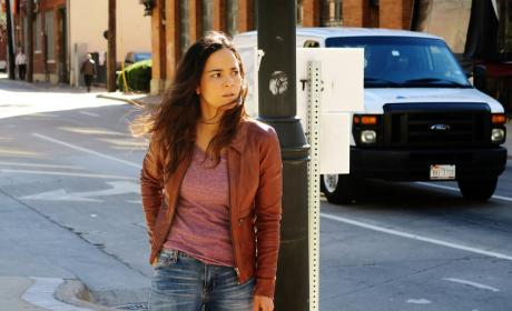 Queen of the South Season 1 Episode 8 Review: Billete De Magia