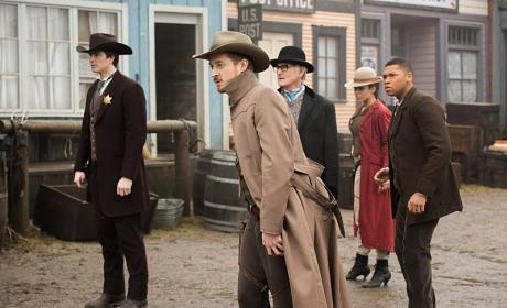 DC's Legends of Tomorrow Season 1 Episode 11 Review: The Magnificent Eight