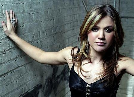 Kelly Clarkson Pic