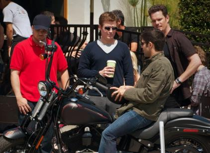 Watch Entourage Season 7 Episode 3 Online
