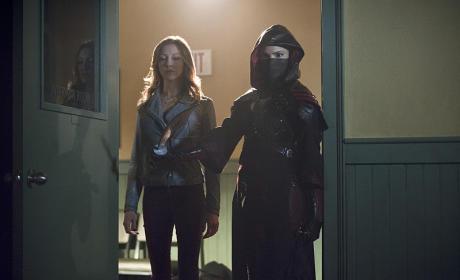 Stand Back - Arrow Season 3 Episode 16