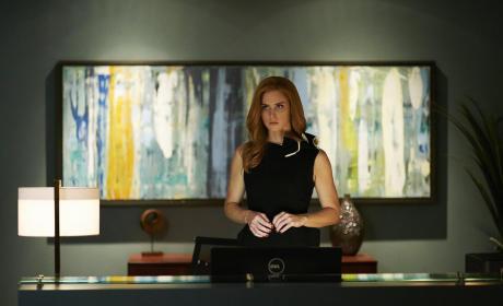 Donna Deliberates - Suits Season 5 Episode 8