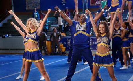 Hellcats Series Premiere Pics: Go! Fight! Win!