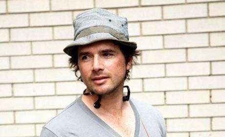 Matthew Settle on Set