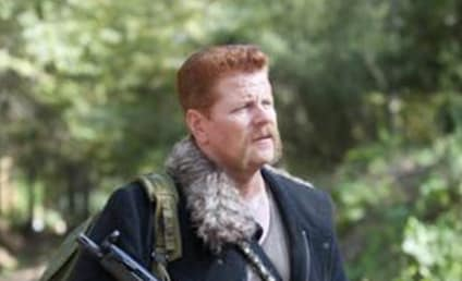 Michael Cudlitz Teases Walking Dead Finale, Advises: Trust No One