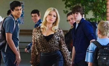 CBS Orders Bad Teacher to Series