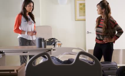 Pretty Little Liars Picture Preview: Does Mother Really Know Best?