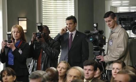 Members of the Press - Scandal Season 4 Episode 11