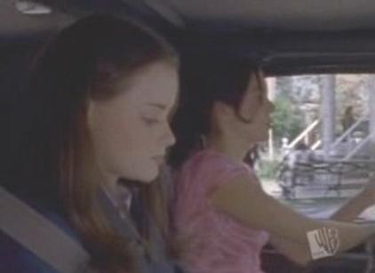 Watch Gilmore Girls Season 1 Episode 2 Online
