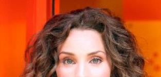 Alicia Minshew: Set for a Break on All My Children