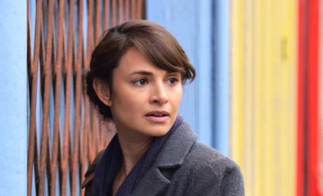 Nora Enters the Bookstore - The Strain Season 2 Episode 10