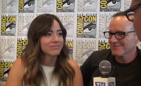 Chloe Bennett and Clark Gregg Sing TV Fanatic Theme Song