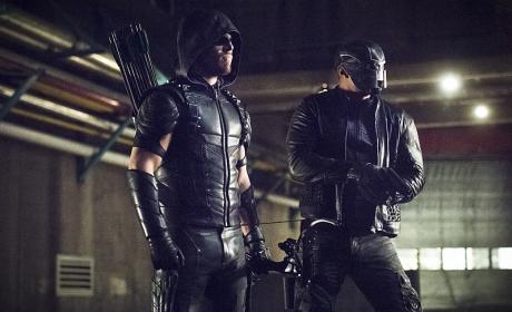 Watching - Arrow Season 4 Episode 21