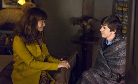 Watch Bates Motel Online: Season 4 Episode 8