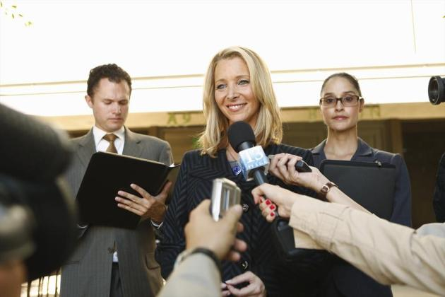 Lisa Kudrow on Scandal