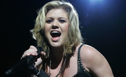 Kelly Clarkson to Release New Album