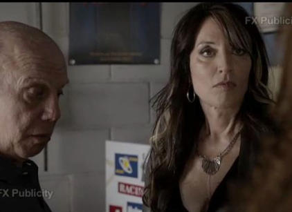 Watch Sons of Anarchy Season 5 Episode 1 Online