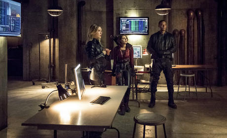 Three Amigos - Arrow Season 4 Episode 1