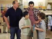 Modern Family Season 2 Episode 10