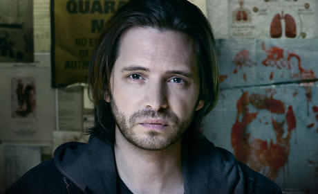 12 Monkeys Q&A: Aaron Stanford on Playing Cole, Splintering to 1987 & More