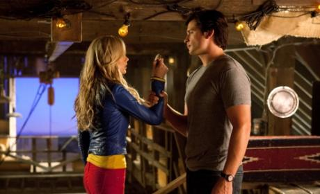 "Smallville Review: ""Supergirl"""